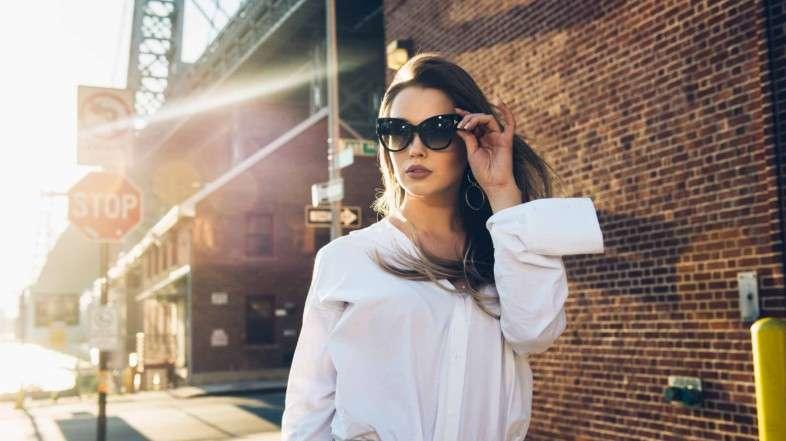 ¿Qué tipos de gafas de sol te favorecen según tu rostro?