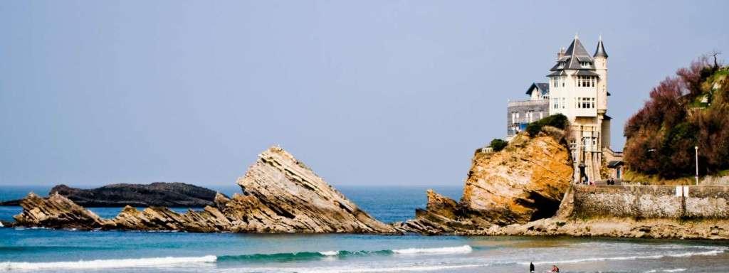 Motivos por los que viajar a Biarritz puede ser un planazo de chicas 1