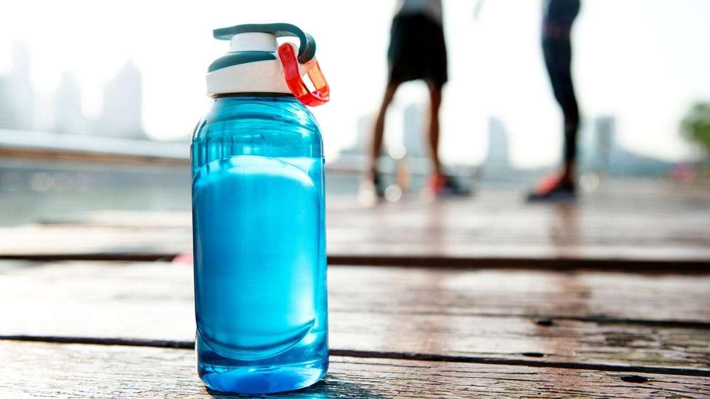 La importancia de la hidratación en el deporte, no olvides beber agua
