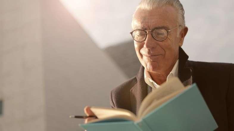 Beneficios de la lectura en la salud. Previene deterioro cognitivo