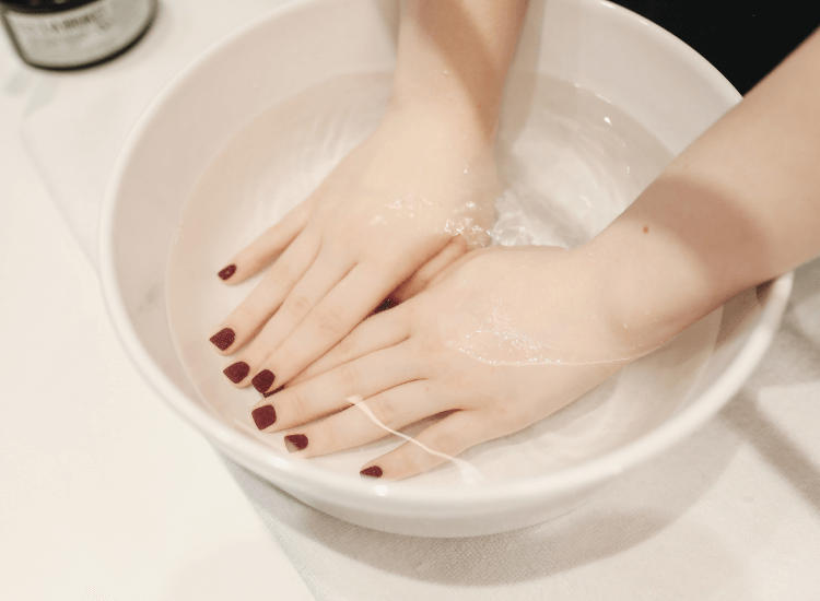 Lo último en manicura, ¿Por qué tan de moda las uñas permanentes?