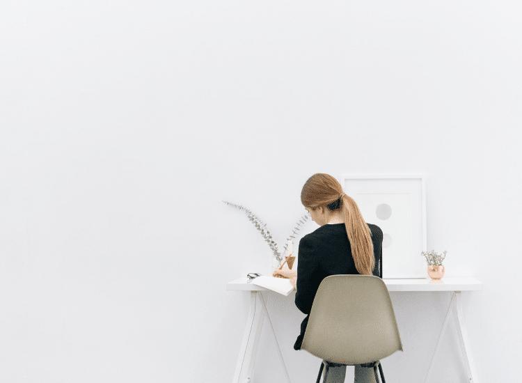 ¿Qué hacer si pasas mucho tiempo sentada?